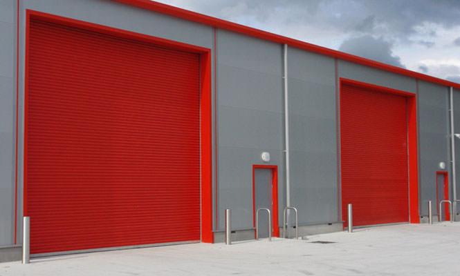 Puertas enrollables aisladas mercadock for Puertas enrollables